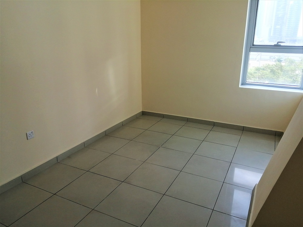 2 Bedroom / Low Floor / Parking